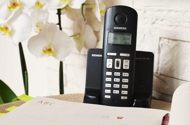 Telefoon in standaard